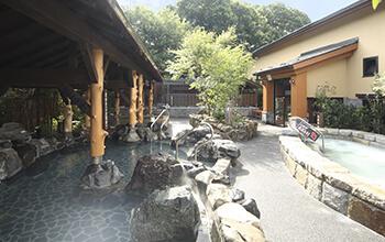 岩風呂(人工温泉)